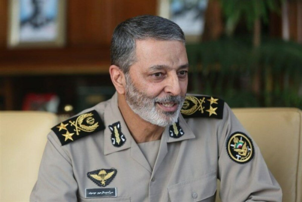 Army cmdr. congrats IRGC for successful launch of satellite 'Noor-1'